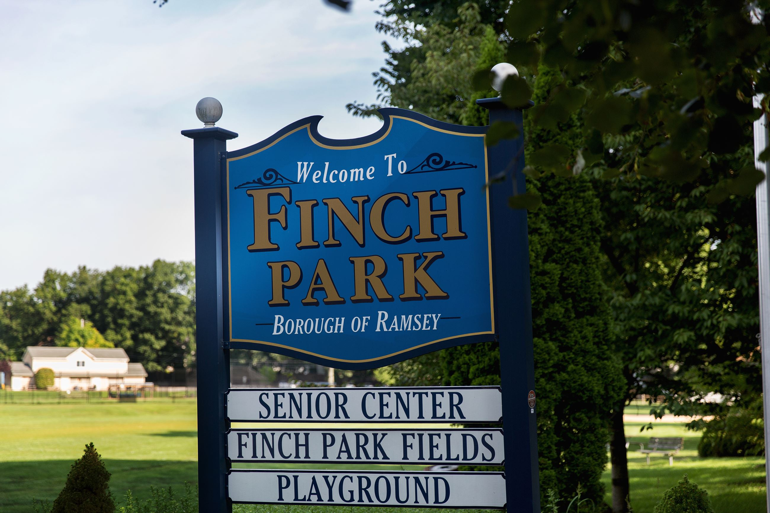 Finch Park Sign